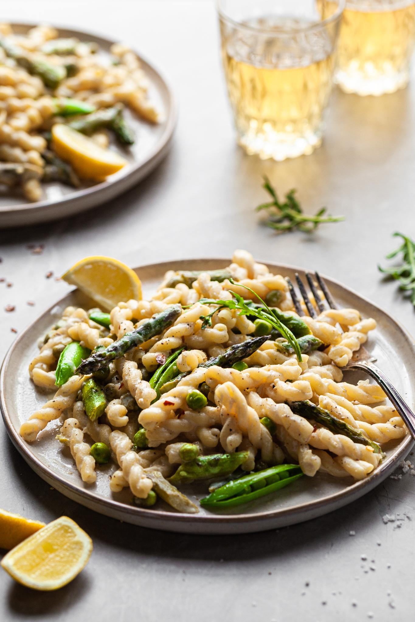 Creamy Lemon Asparagus Pasta – Vegan with GF Option