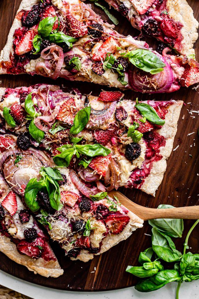 vegan strawberry blackberry pizza