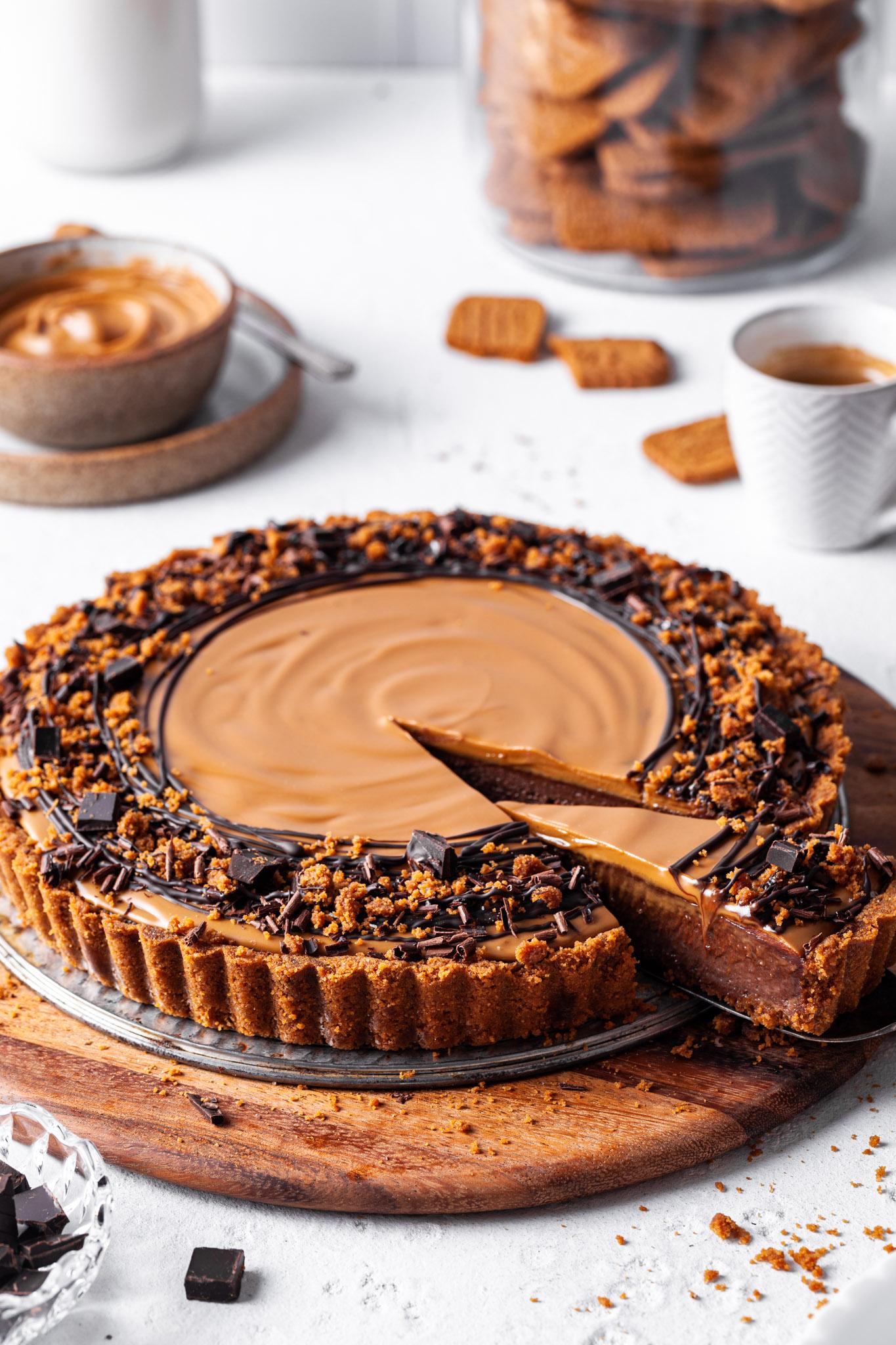 Chocolate Biscoff Tart  (No-Bake & Vegan)